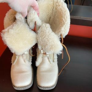 Born shearling boots